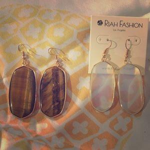Set of 2 Crystal Brown White Gold Dangle Earrings